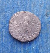 AE2 de Valentiniano II. REPARATIO REI PVB. Roma 20180123_173951-1