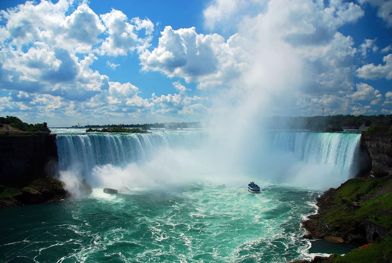 Nijagarini vodopadi Niagra_Falls