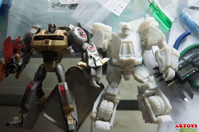 Produit Tiers - Kit d'ajout (accessoires, armes) pour jouets Hasbro & TakaraTomy - Par Fansproject, Crazy Devy, Maketoys, Dr Wu Workshop, etc - Page 4 1004841_550653075000637_401715018_n