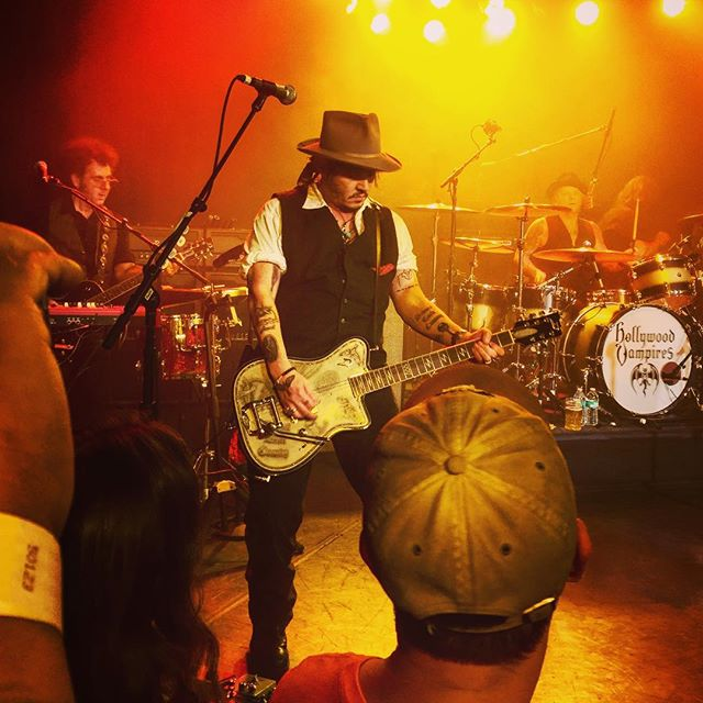Le groupe Hollywood Vampires . - Page 4 20150917_1484839