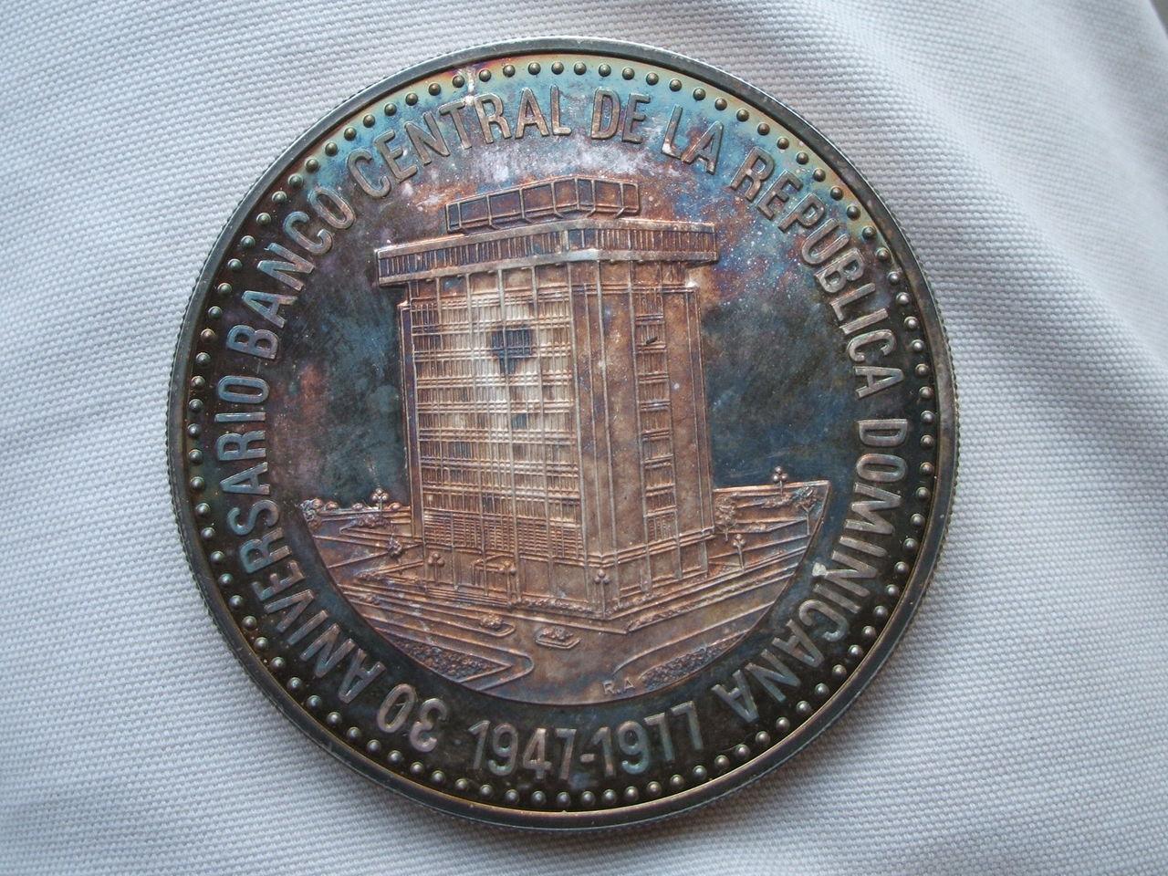 30 Pesos. R. Dominicana. 1977 009