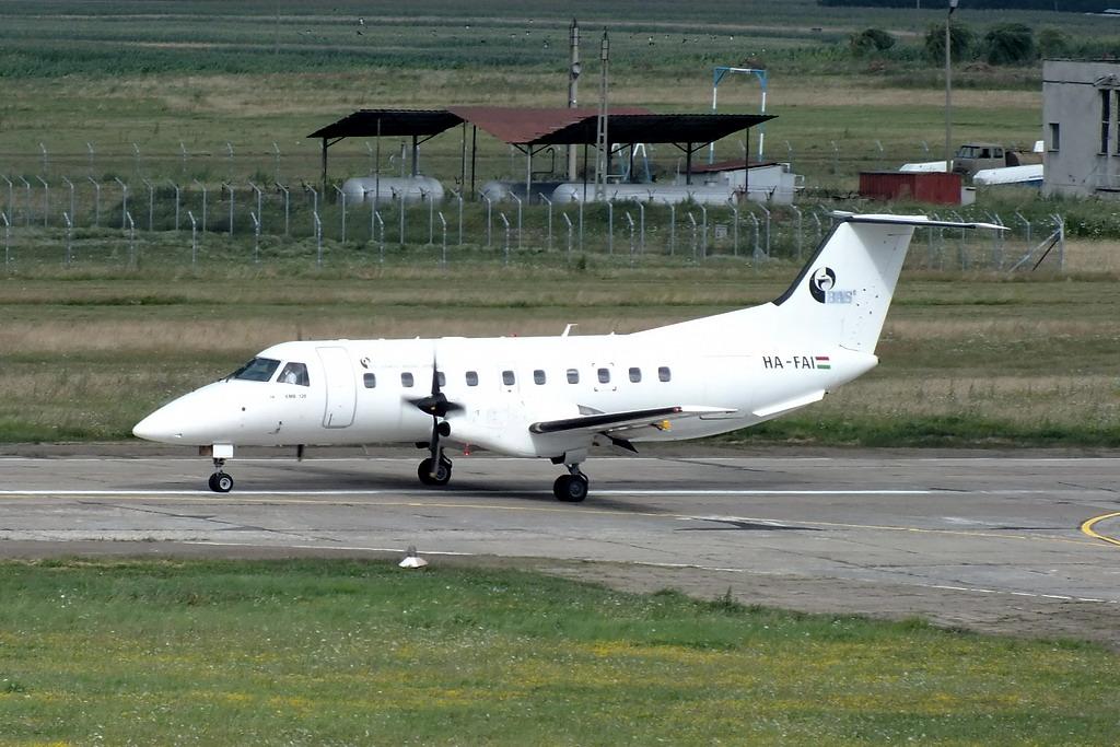 Aeroportul Suceava (Stefan Cel Mare) - Iulie 2013   DSCF7645