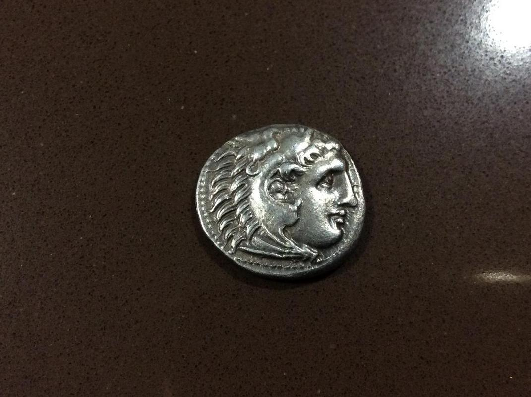 Dracma de Demetrios I Poliorketes a nombre de Alejandro III. Mileto IMG_4482
