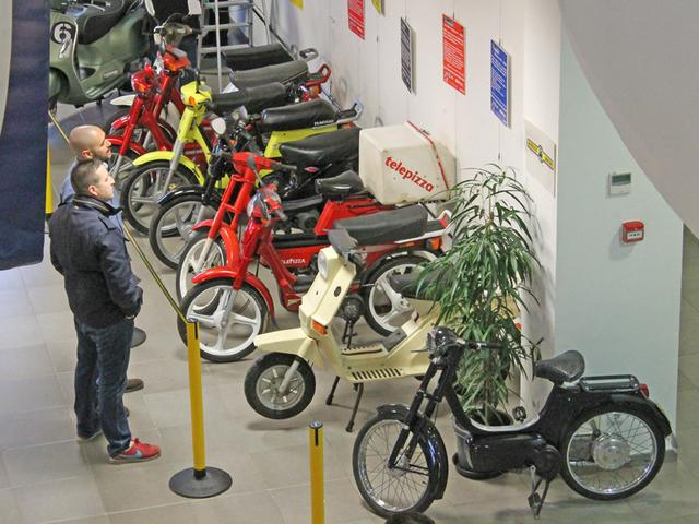 Exposición 50º Aniversario del Vespino, 17 Feb IMG_0473