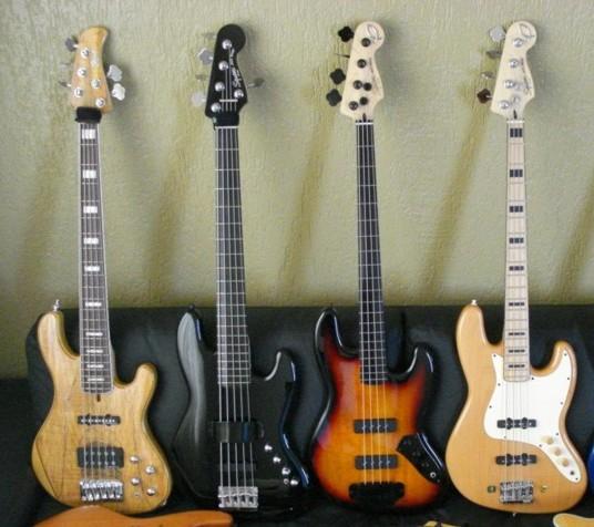 Mostre o mais belo Jazz Bass que você já viu - Página 8 Famlia