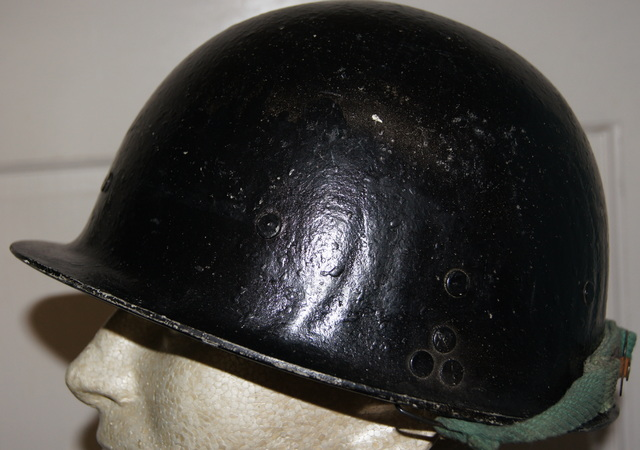 Black Painted Iraqi Helmet DSC01719