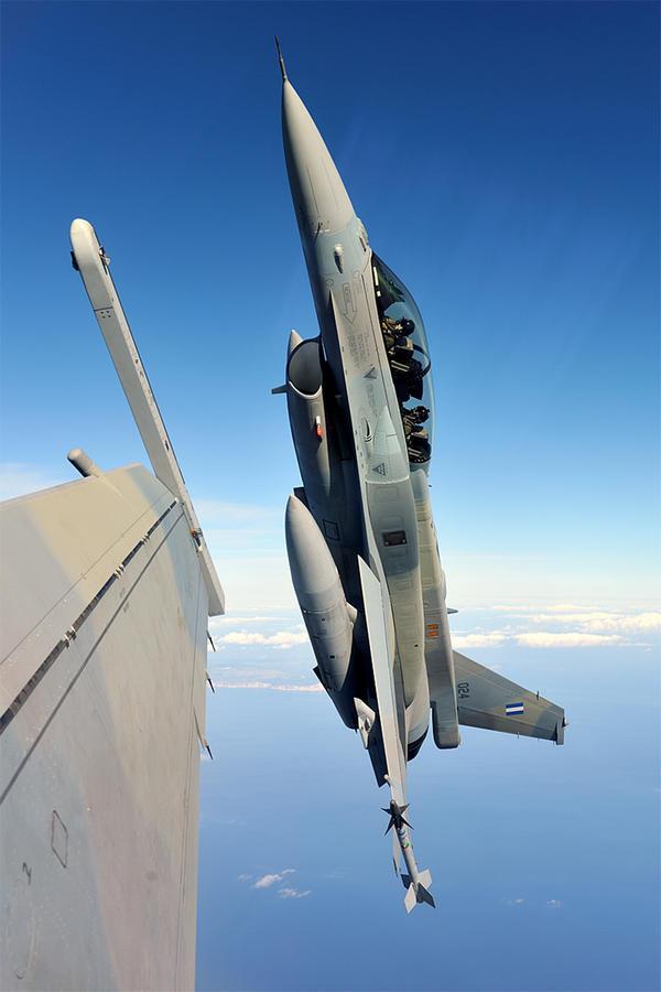 Hellenic Military & Security Multimedia F16_B52_Padv0012