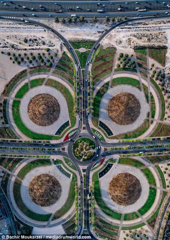 Kiến trúc đẹp mê hồn của thành phố Dubai từ trên cao 9-1519181737-width650height915