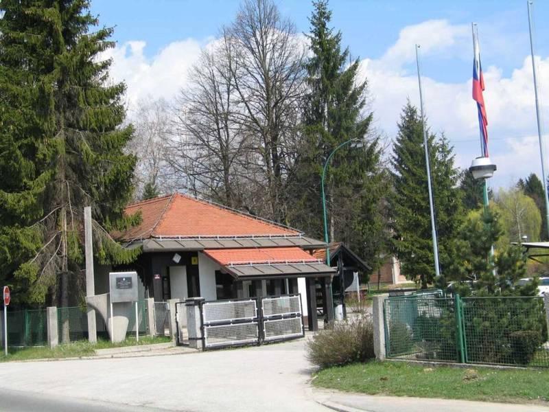 Kasarne i vojni objekti JNA - SLOVENIJA Voja_nica_Kranj