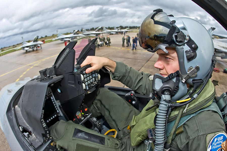Hellenic Military & Security Multimedia Pilots_f_16_03