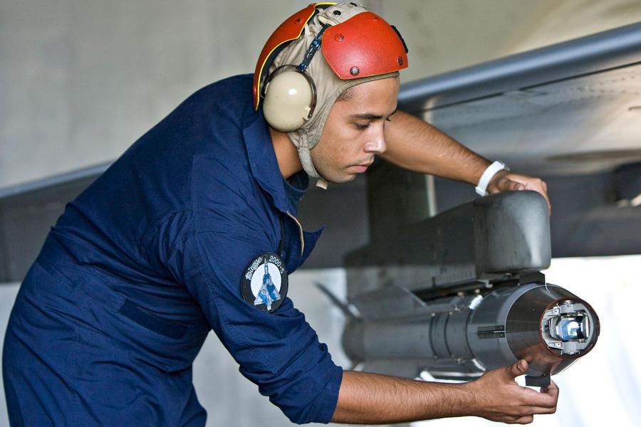 Hellenic Military & Security Multimedia Technic_m_2000_04