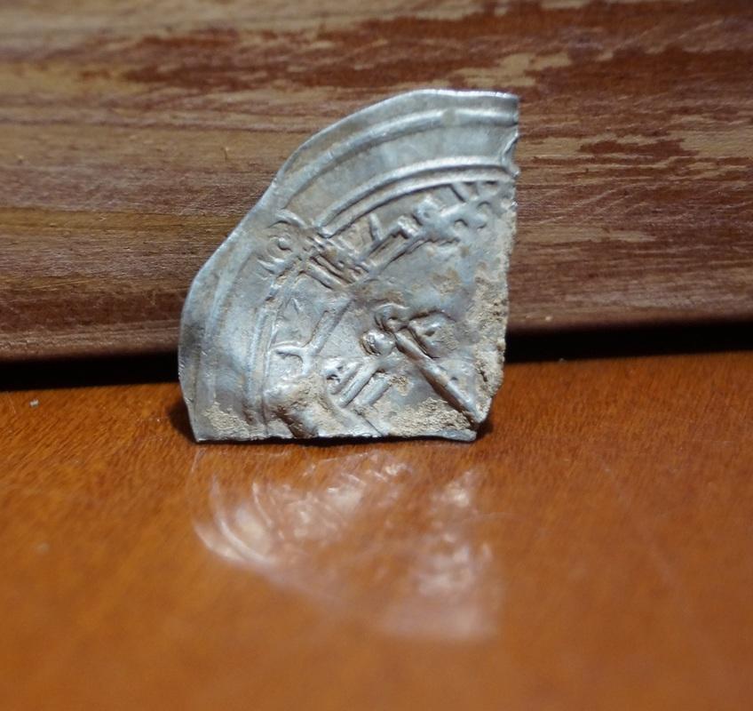 Monedas partidas o fracciones de monedas Medievales Musulmanas DSC03400