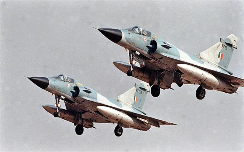 Indian Air Force (IAF): News - Page 10 Mirage_2000