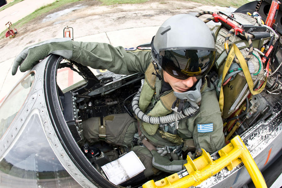 Hellenic Military & Security Multimedia Pilots_f_4_02
