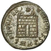 AE3 de Constancio II. PROVIDEN-TIAE CAESS. Puertade de Campamento de dos torres. Cyzicus IMG_0434