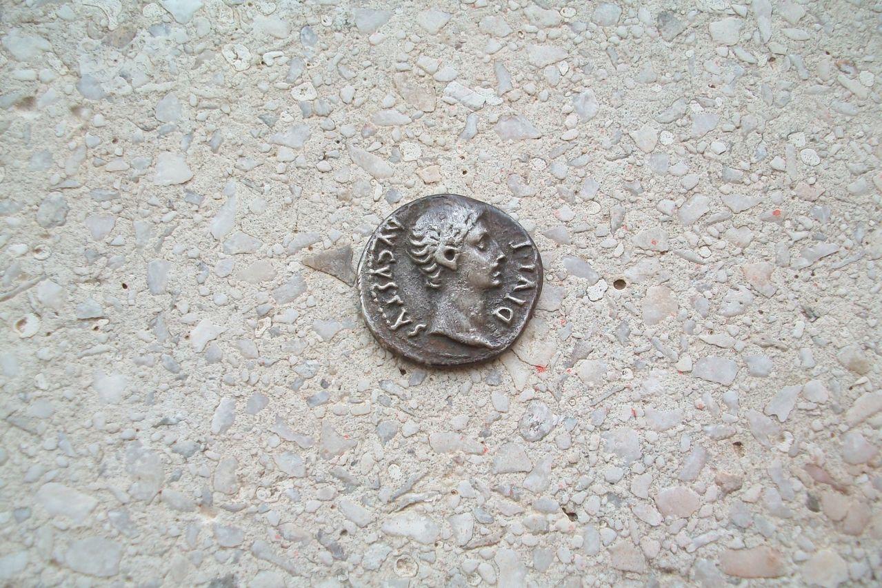 Denario de Augusto fundido 100_1392