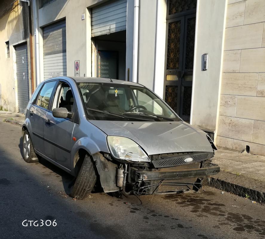 Auto Abbandonate IMG_20170904_200059