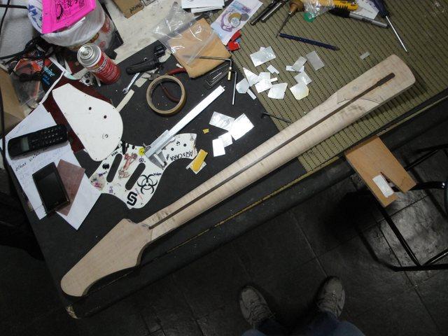 Visita à lutheria ACS (Ademir luthier) em Belo Horizonte 1397622_329534403856281_2041231567_o