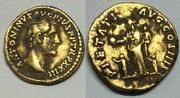 Áureo de Antonino Pio. PIETATI AVG COS IIII. Roma Image