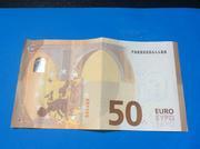 Curiosidad billete de 50 € 38_C61878-748_A-44_C6-_B19_E-13_C4_CB23_CC72