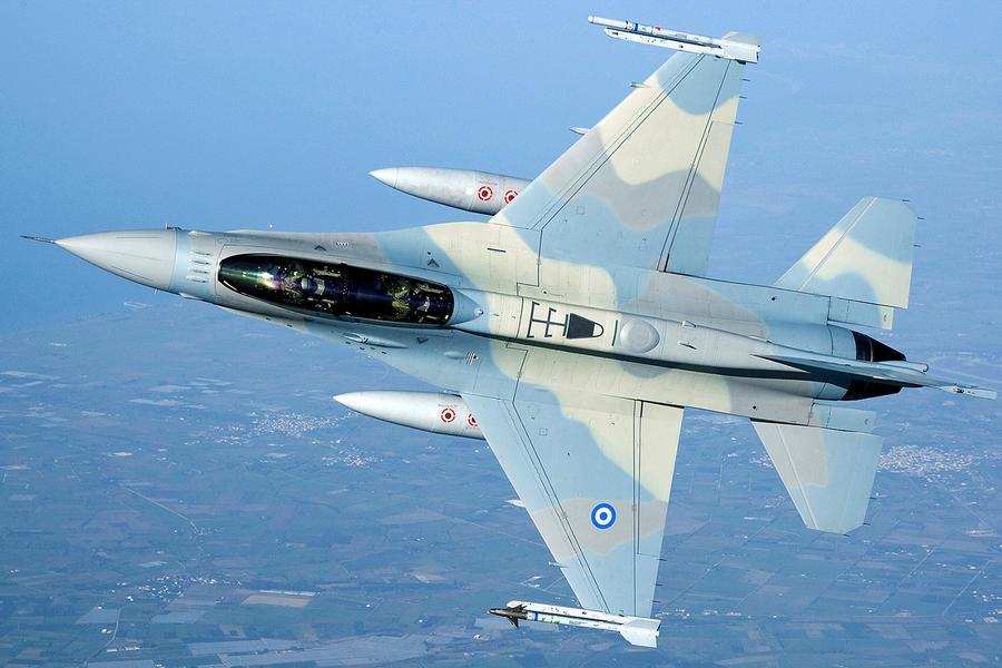 Hellenic Military & Security Multimedia F16_B52_Padv0024