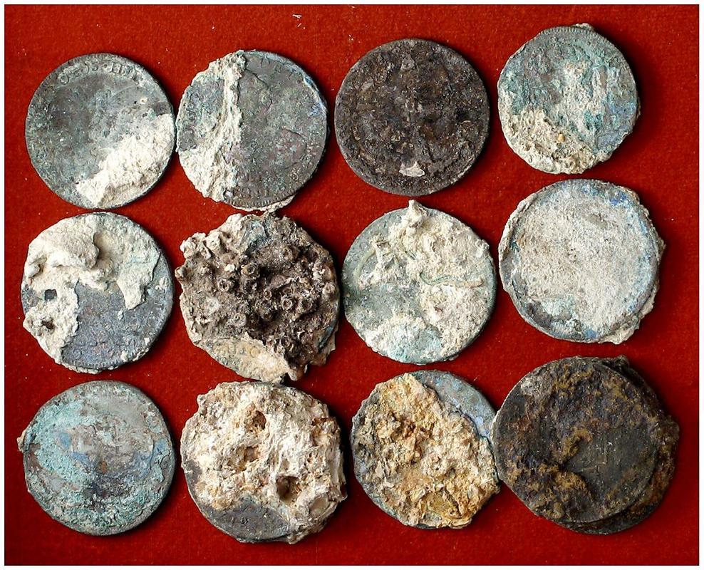 Monedas de pecio, ¿ limpiar o no limpiar ? 3676182l