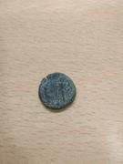 AE2 bajo imperio tipo REPARATIO - REIPVB. Emperador estante dando la mano a mujer arrodillada. IMG_20180108_235804