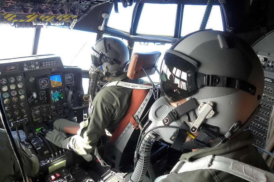 Hellenic Military & Security Multimedia Pilots_c_130_01