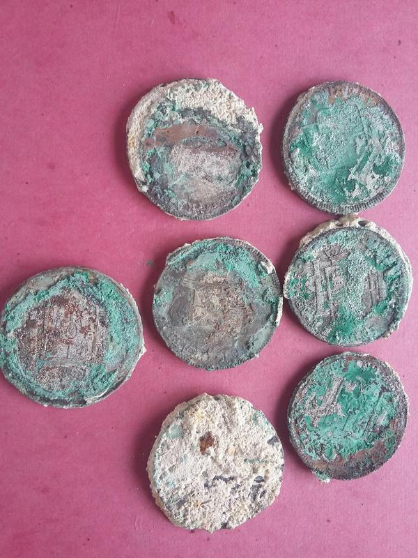 Monedas de pecio, ¿ limpiar o no limpiar ? 20180131_150857