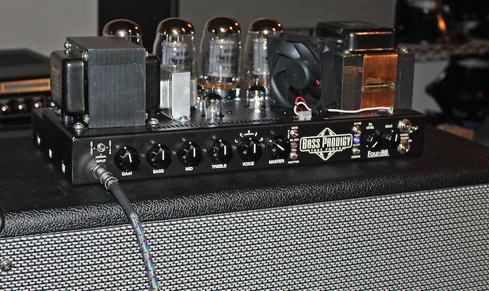 Você compraria um amp Classe D de novo? - Página 6 Mesa_Boogie_Factory_Tour_014a