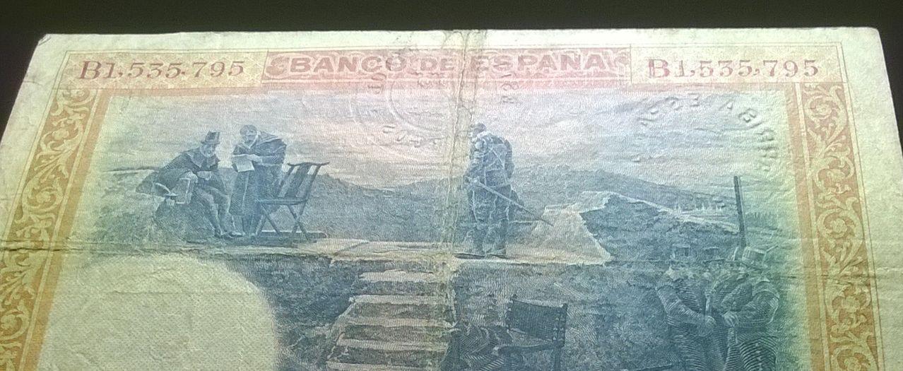 100 Pesetas 1925 (Tres sellos secos:Arriba España, Burgos y República) WP_20141221_013