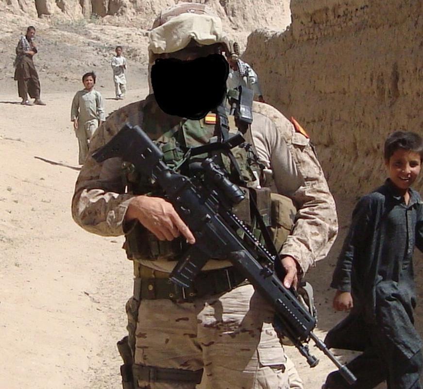 marte - Marte 04 Afganistán. Modificación y evolución. Afganistan_casco_MICH_jesus_leg_armas_es