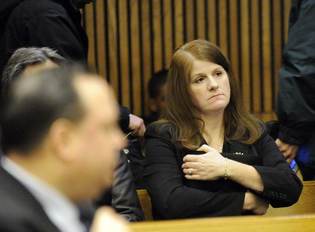 Jane Bashara murdered by Joe Gentz, alleges her husband was involved/Bashara arrested & arraigned on chges of solicitation to murder/Gentz pleads GUILTY to 2nd degree murder/Bashara sentenced to life: 'May Jane now truly rest in peace' - Page 7 Bilde1