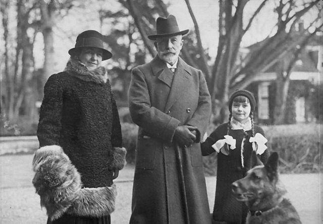 NOTICIA: Pueden cerrar el museo dedicado al Kaiser Casakaiser_nueva_mujer