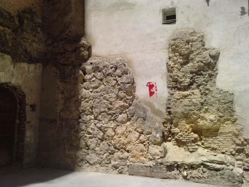 Nuevo tramo visible de la muralla cristiana P100512_14_020002