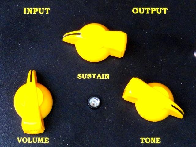 Review: Pedal Electro-Harmonix Black Russian Big Muff Pi DMT 4 Seasons Mod DSC01847