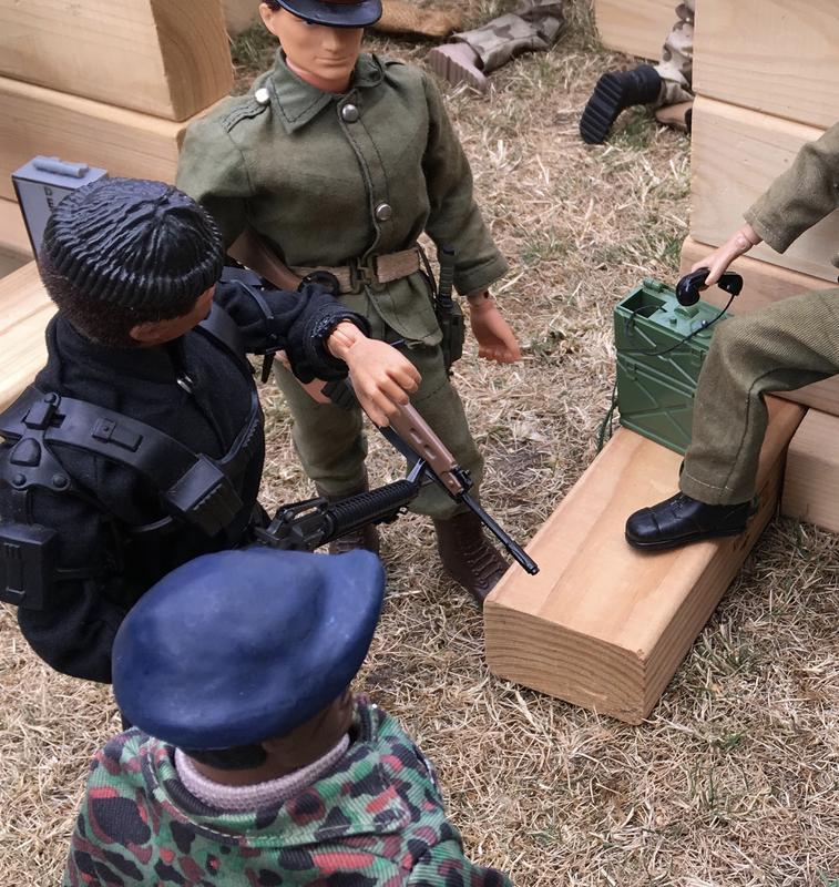 The Munrovians prepare their defenses..part 1. Fullsizeoutput_c24