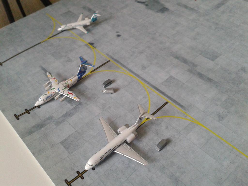 Aeroporturi in miniatura 1:400 - 1:500 2014_08_15_18_33_24