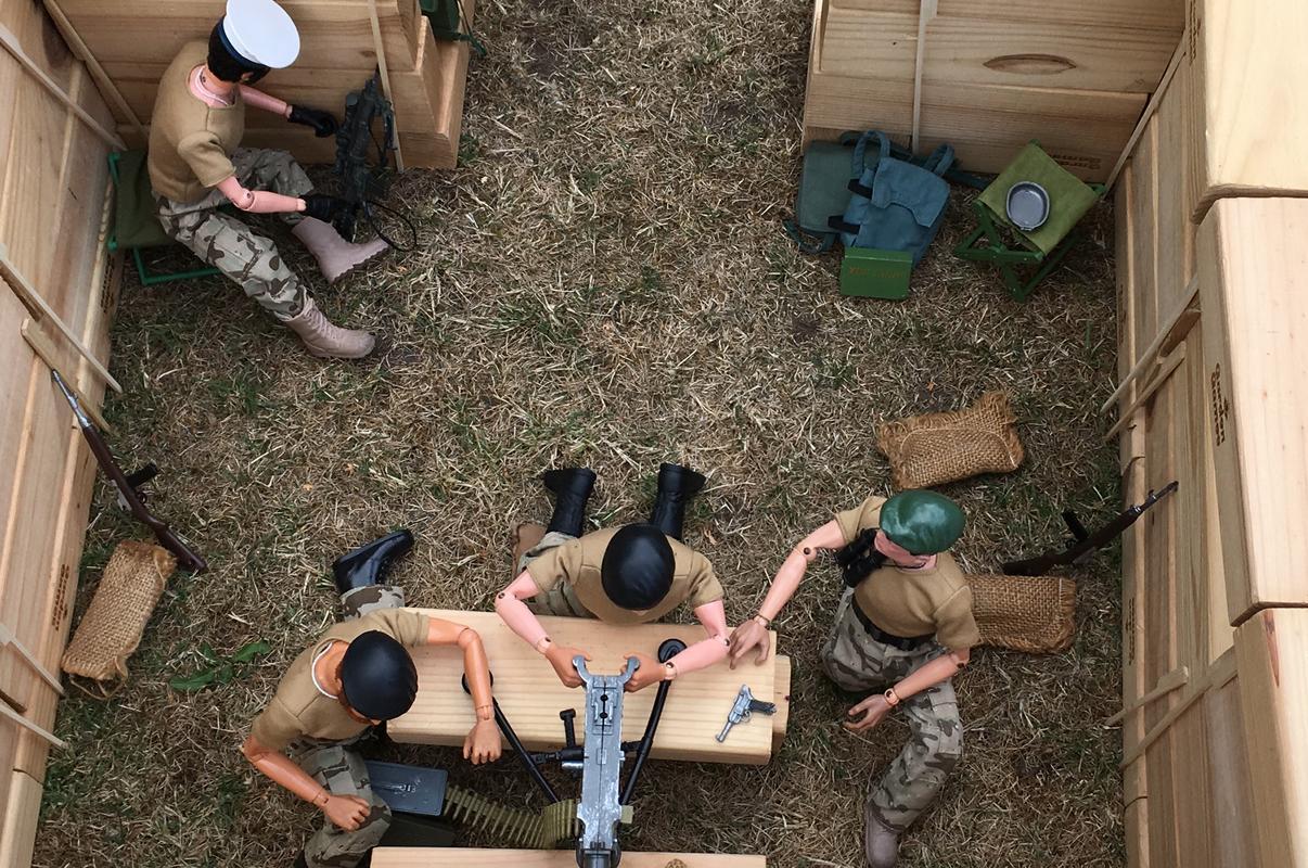 The Munrovians prepare their defenses..part 1. PHHGE3863
