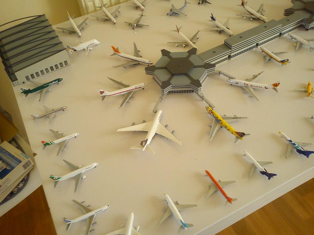 Aeroporturi in miniatura 1:400 - 1:500 IMG_20140410_131246