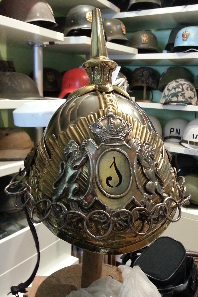 "casco - Casco Mod. 1875 de Oficial de Lanceros del Regimiento Nº1 ""del Rey"". 20150416_181241b"