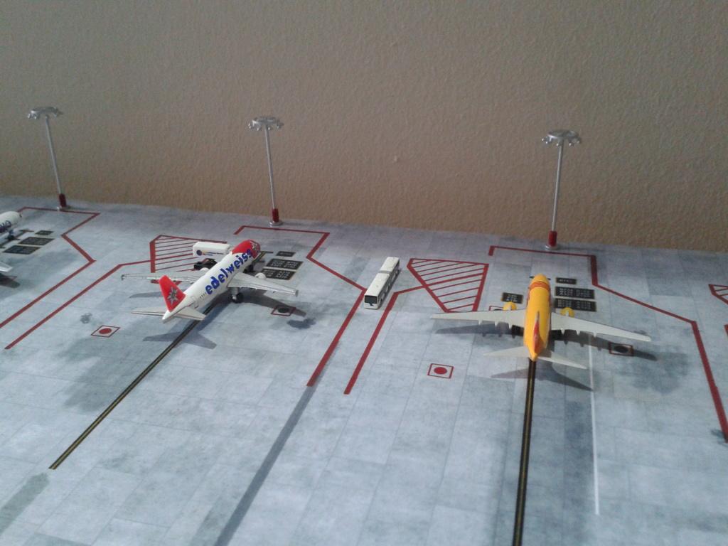 Aeroporturi in miniatura 1:400 - 1:500 2014_08_15_18_32_26