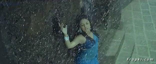 Tanushree Dutta Rain song from Apartment Tanushree_Rain_5