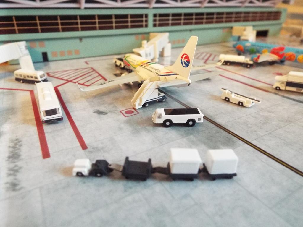 Aeroporturi in miniatura 1:400 - 1:500 DSCF5569