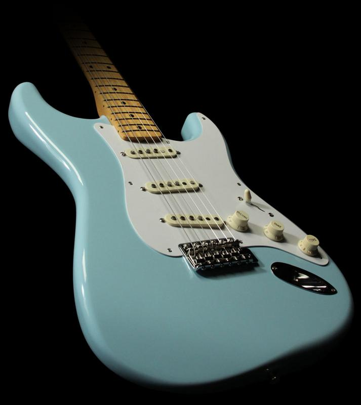 SCANDAL's Signature Fender Models - Page 3 IMG_1641