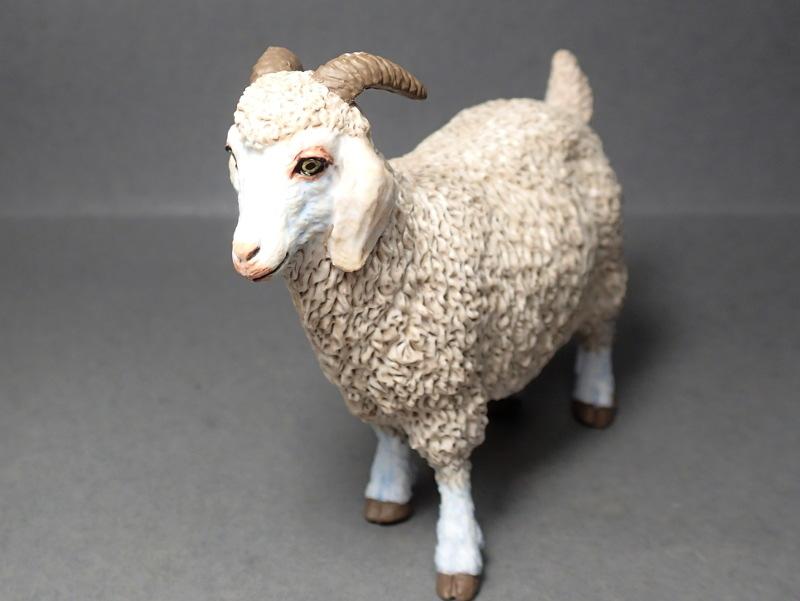 Five fantastic, fuzzy farm figures from Papo !!! :-D Fuzz_Goat5