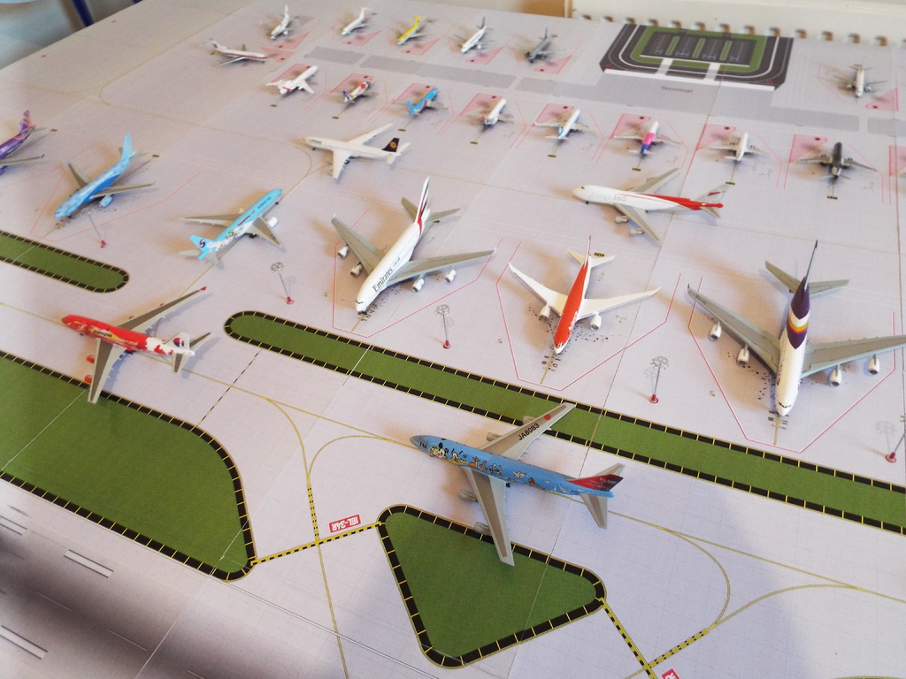 Aeroporturi in miniatura 1:400 - 1:500 DSCF4575