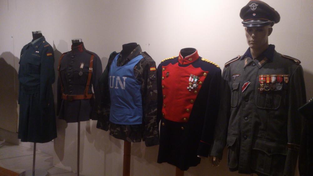 Exposicion de La Guardia Civil, Museo Villa Señor de Ciudad Real. 14 de Junio - 20 de Julio, 2013. Expo_GC_012_preparativos