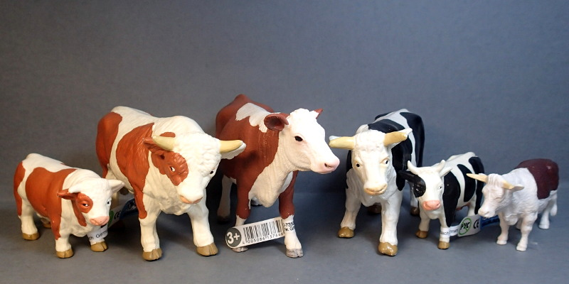 The small cattle from Bullyland :-) Cows_Compare