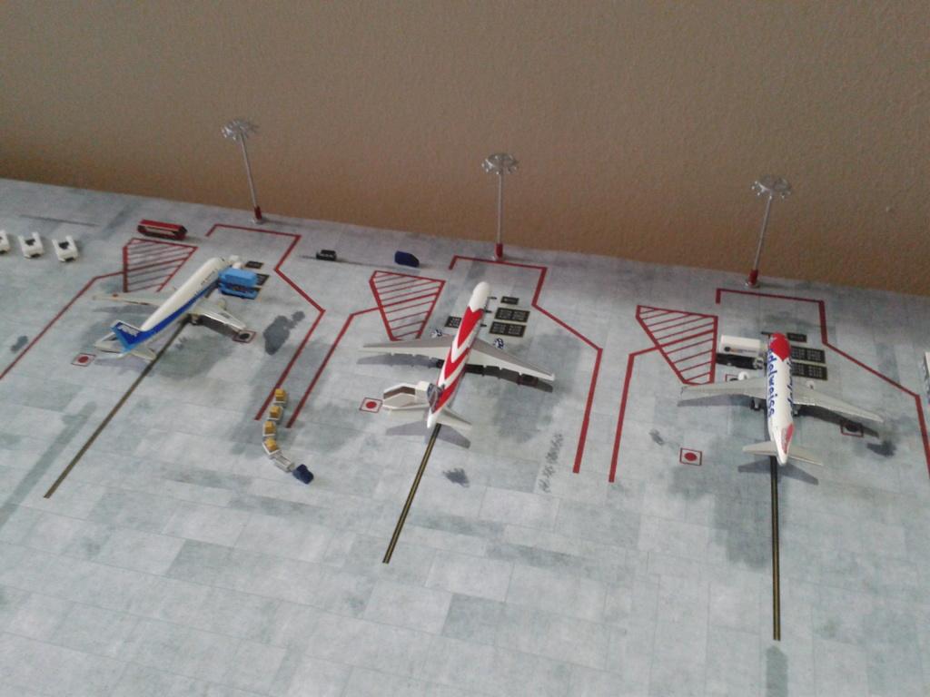 Aeroporturi in miniatura 1:400 - 1:500 2014_08_15_18_32_34